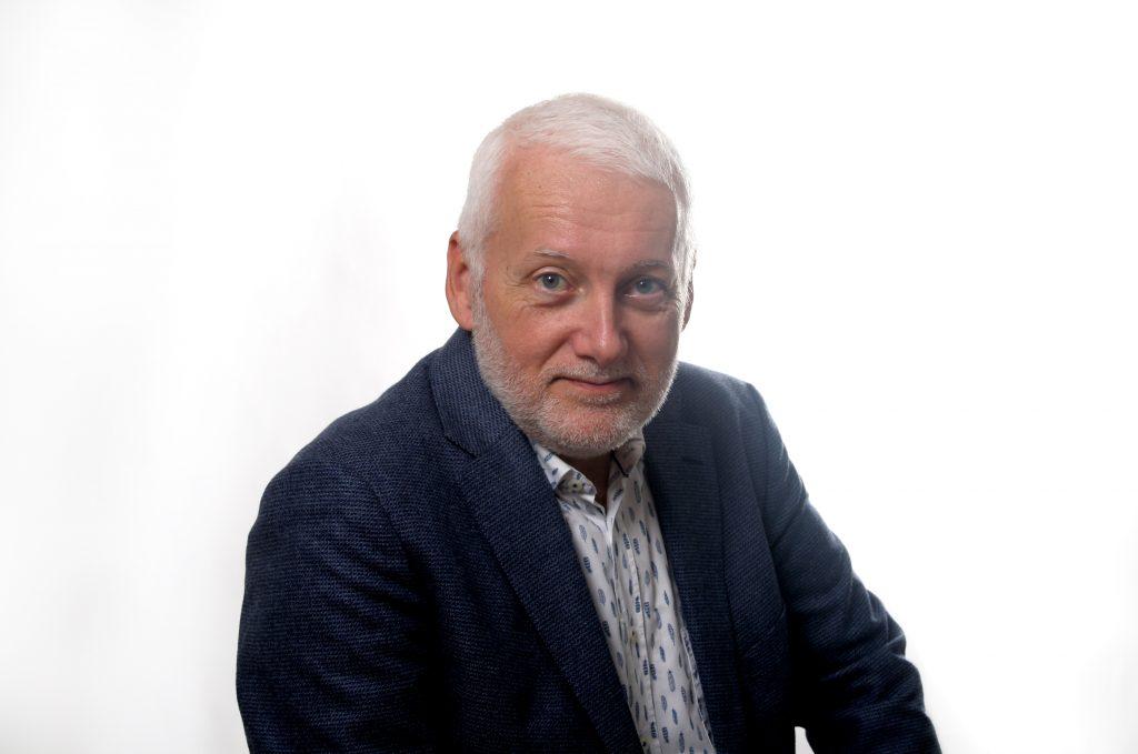 Norbert Küpper ist Zeitungsdesigner in Deutschland.